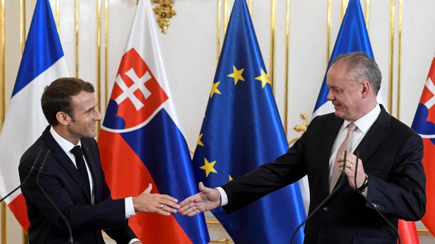 Video Brífink prezidentů Slovenska a Francie