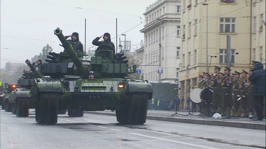 Video Evropská třída zažila největší vojenskou přehlídku v historii