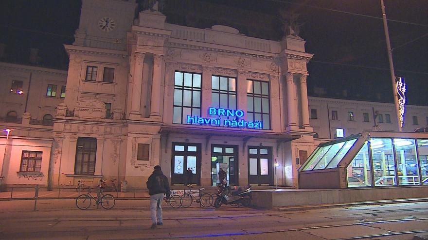 Video Výluka na brněnském hlavním nádraží začala v neděli