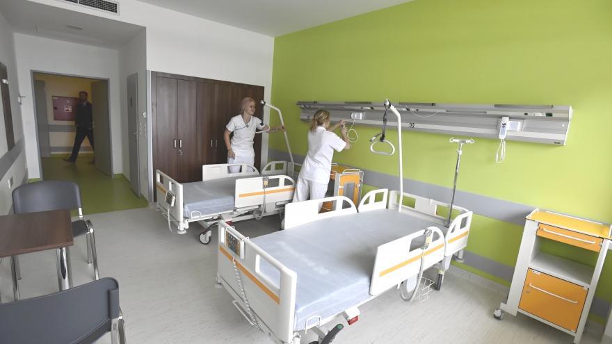 Video Vsetínská nemocnice dostavěla budovu interního oddělení