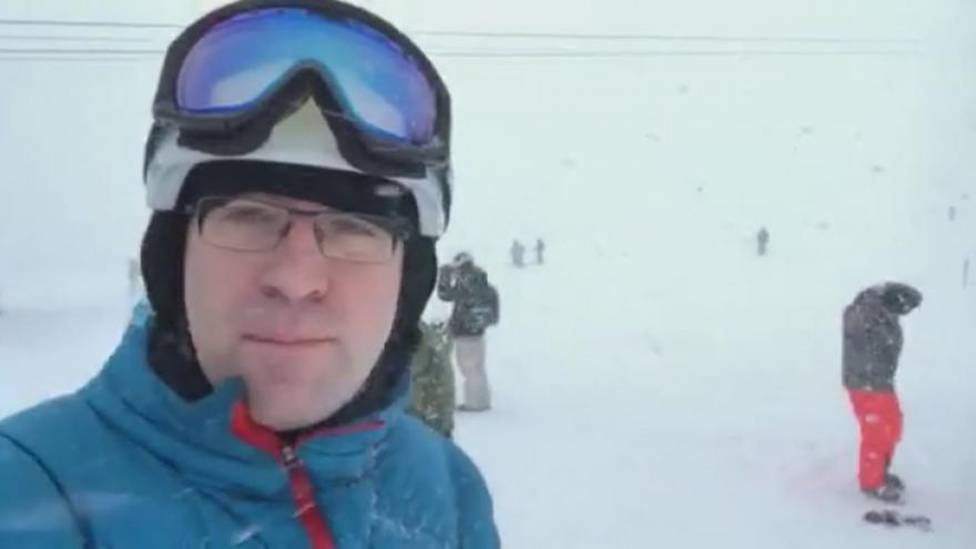 Video Redaktor ČT Hynek: Většina sjezdovek v Tyrolsku je zavřených, ostatní jsou přeplněné
