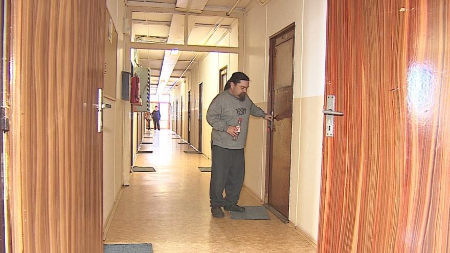 Video Obyvatelé ubytovny se zatím mají kam vracet