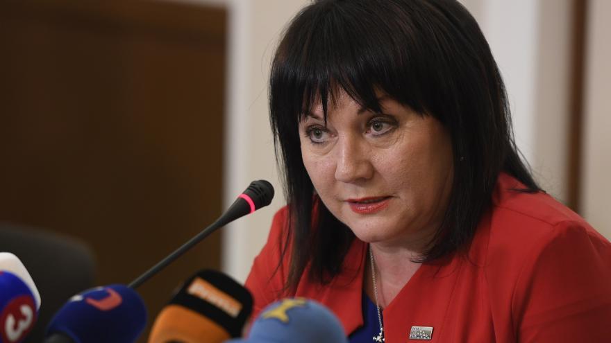 Video S dluhopisy pro občany nekončíme, oznámila Schillerová
