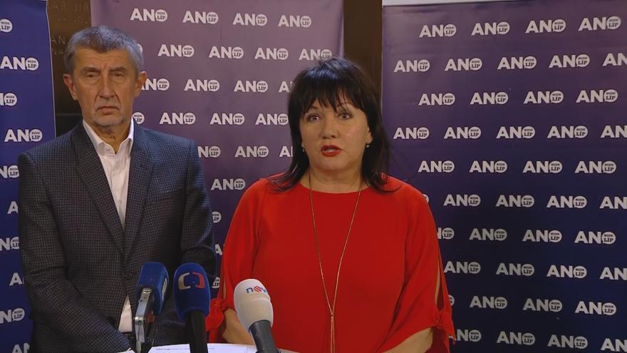 Video Ministryně financí chce pro živnostníky jen jeden odvod