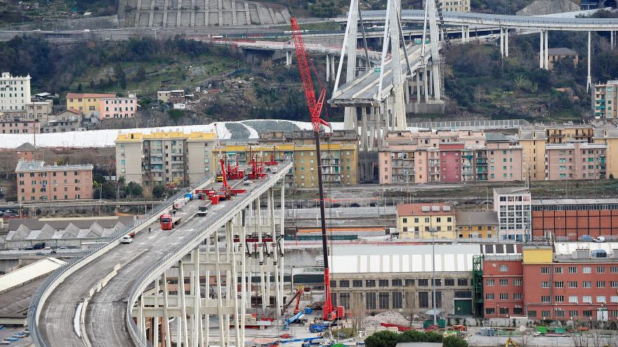Video Rok od tragédie v Janově. Zřícení Morandiho mostu si tehdy vyžádalo 34 obětí