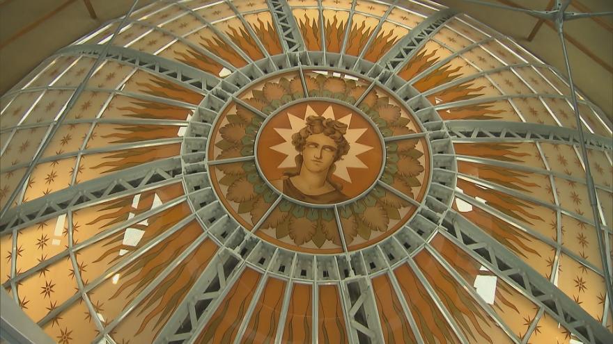 Video Neobvyklý pohled na Václavské náměstí z kopule Národního muzea