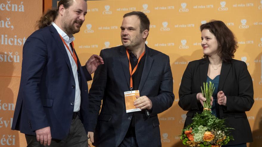 Video ČSSD si zvolila nové vedení a určila další směr