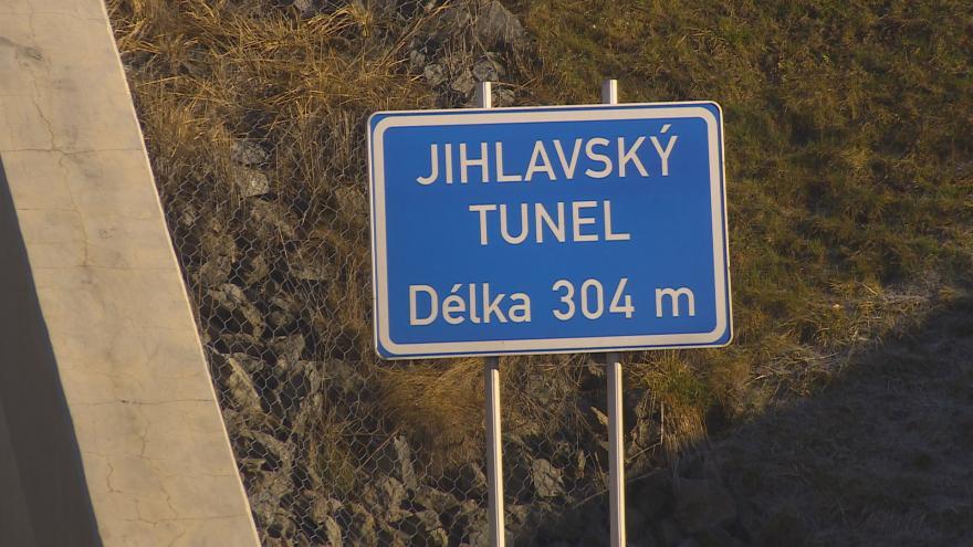Video Události ČT: Radary z D1 od poloviny března budou měřit rychlost v tunelu