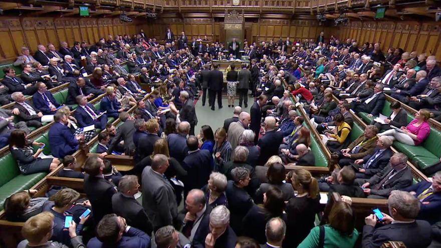 Video ŽIVĚ: Jednání britského parlamentu
