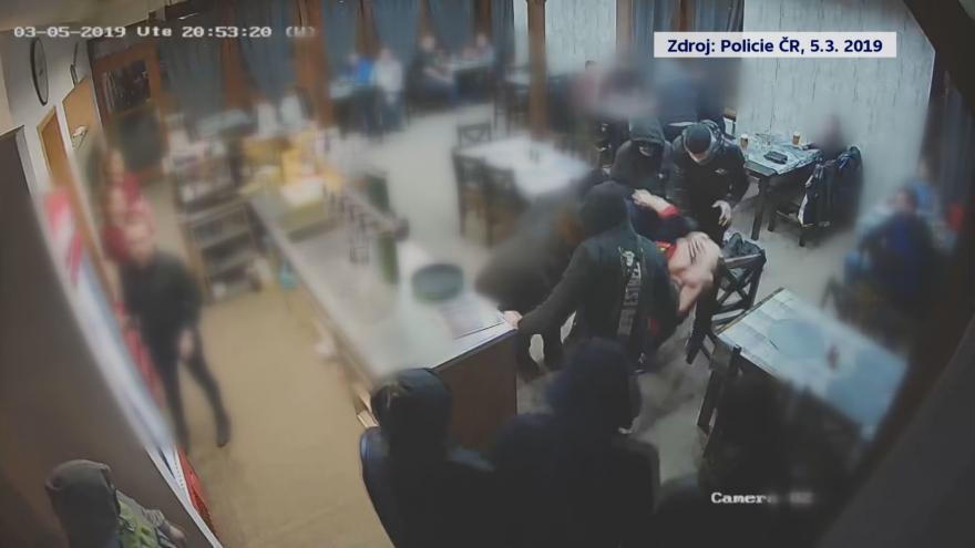 Video Útok fanoušků v Havířově