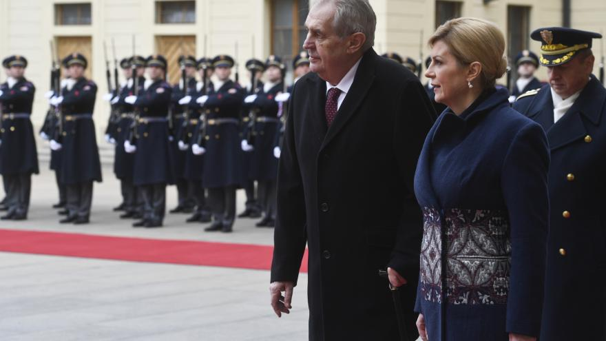 Video Zeman přijal na Hradě chorvatskou prezidentku Kitarovičovou