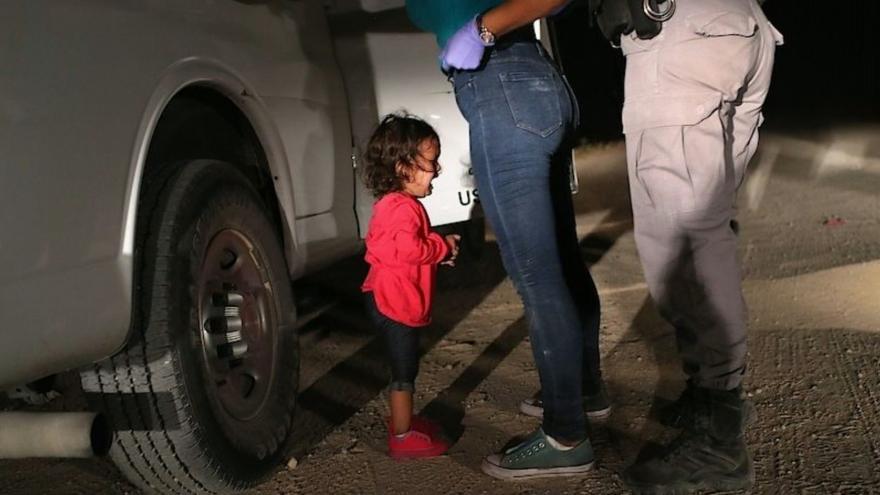 Video Události ČT: World Press Photo má vítěze, plačící děvčátko