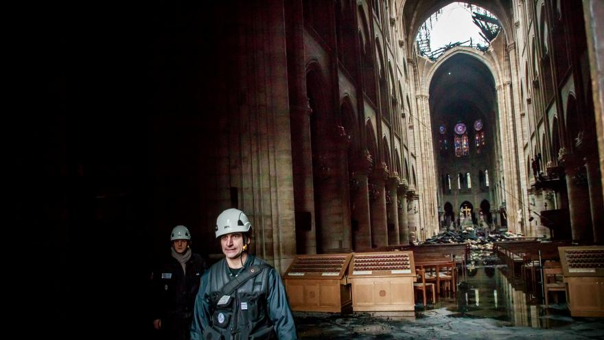 Video 90' ČT24 - Požár Notre-Dame a ochrana českých památek