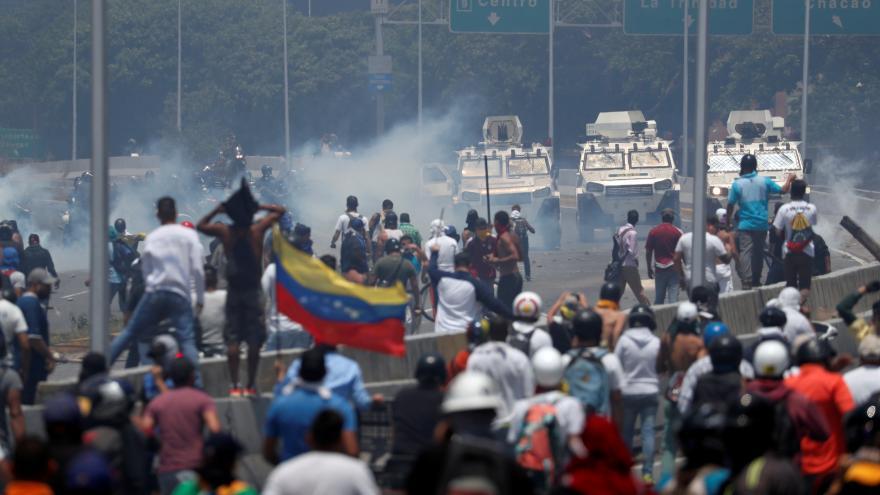 Video Události ČT: Guaidó vyzval armádu a lid ke svržení venezuelské vlády