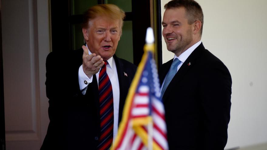 Video Trump přijal v Bílém domě Pellegriniho