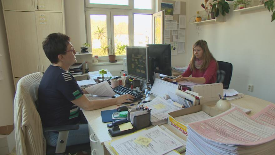 Video Události ČT: Finanční správu opustí stovky úředníků