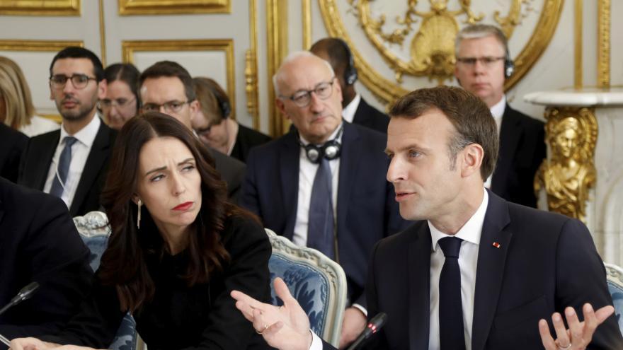 """Video Události: V Paříži se sešli zástupci """"Christchurské výzvy"""""""