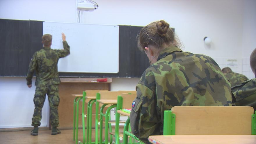 Video Události ČT: Armáda chce otevřít další školu