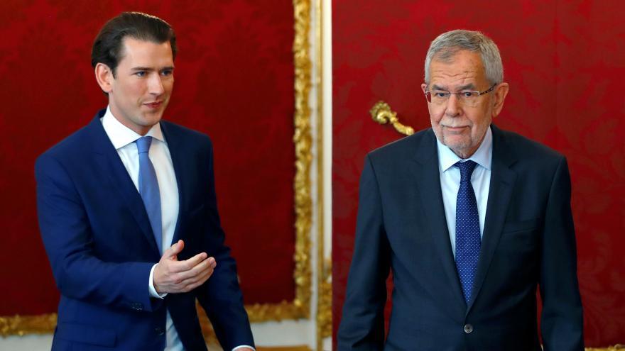 Video Brífink rakouského prezidenta a kancléře