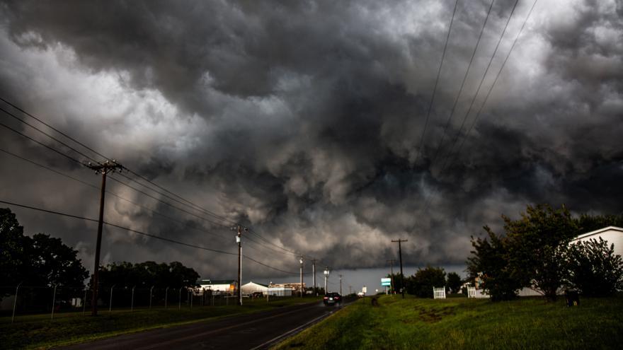 Video Ničivé bouře prošly jižní částí Spojených států, zanechaly nejméně 11 mrtvých