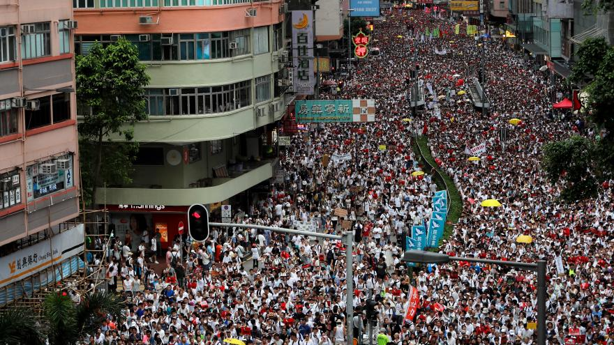 Video Protesty v Hong Kongu