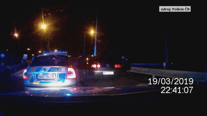Video Dramatická policejní honička v Brně