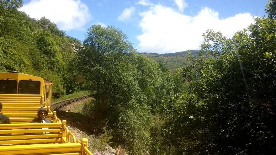 Video Kanárkový vlak na úpatí Pyrenejí
