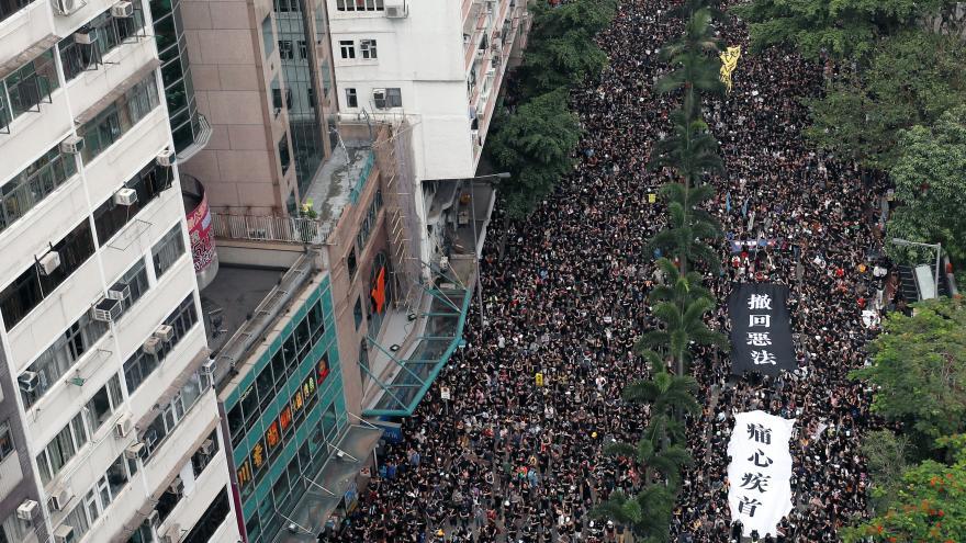 Video Šámalová: Protesty mají efekt, ale odstoupení Lamové je nepravděpodobné