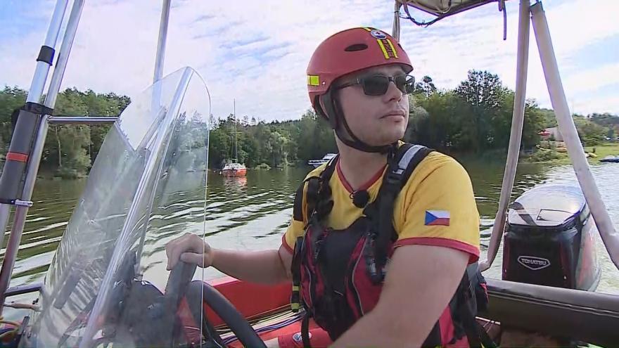 Video Vodní záchranáři stráží přehrady