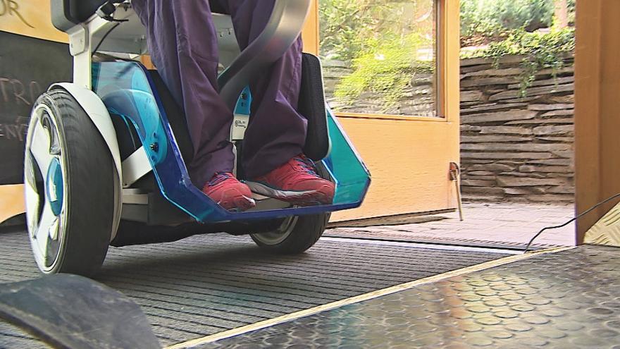 Video Přístup s překážkami je pro vozíčkáře a turisty s kočárky komplikovaný