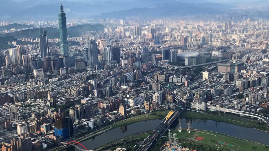"""Video Události: Tchaj-wan odmítá princip """"jedna země, dva systémy"""""""