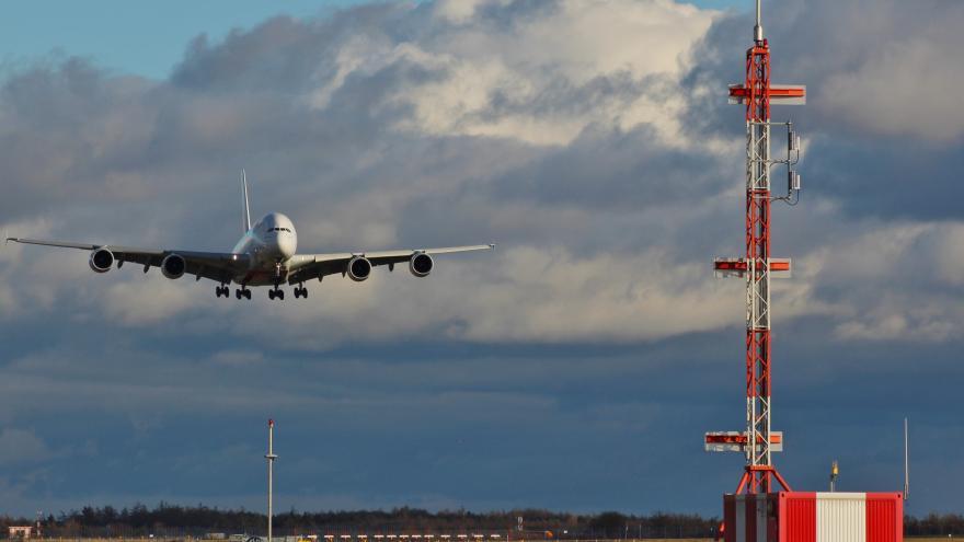 Video Události ČT: Nad Českem letadla křižují méně, znamená to propad o 300 milionů