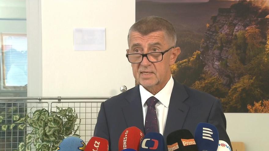 Video Brífink Andreje Babiše před odletem do Bruselu