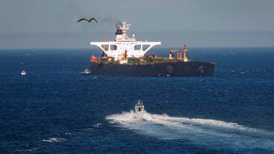Video Íránský tanker vyplul z Gibraltaru