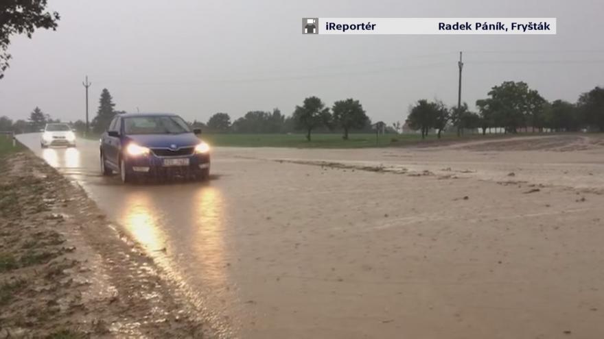 Video Přívalové deště zachytili iReportéři