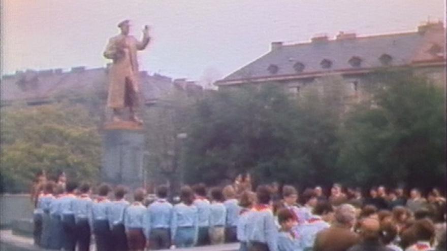 Video Zpátky v čase. Koněvův pomník odhalili v roce 1980. Dnes budí kontroverze