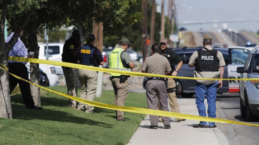 Video Střelec v Texasu zabil pět lidí a dalších 21 zranil