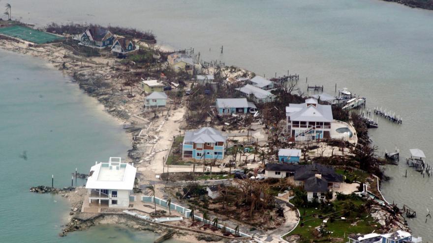 Video Dorian na Bahamách si vyžádal si nejméně 43 obětí. Stovky, možná tisíce lidí, se stále pohřešují