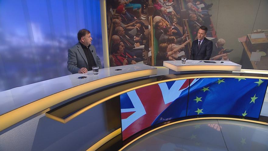 Video Události, komentáře ČT24: Parlament se sám pustil do vládnutí, všiml si Žantovský