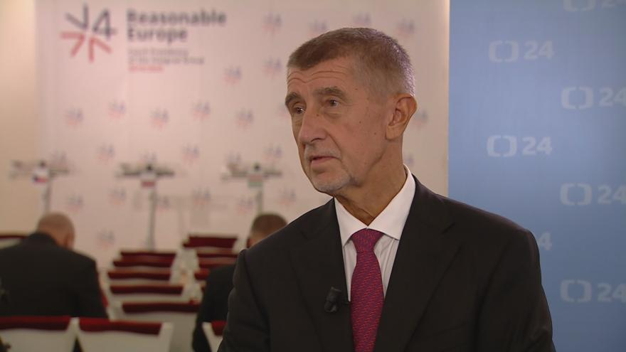 Video Tisková konference premiéra Babiše po jednání V4