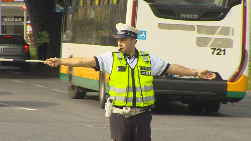 Video Události v regionech: Řidiči tápou při řízení dopravy policií
