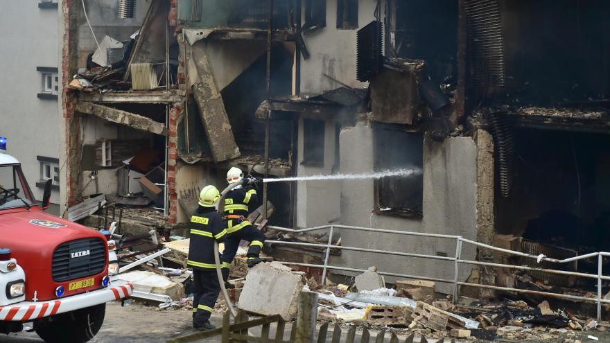 Video UVR: Do bytů v Lenoře, poškozených výbuchem plynu, se pomalu vrací obyvatelé