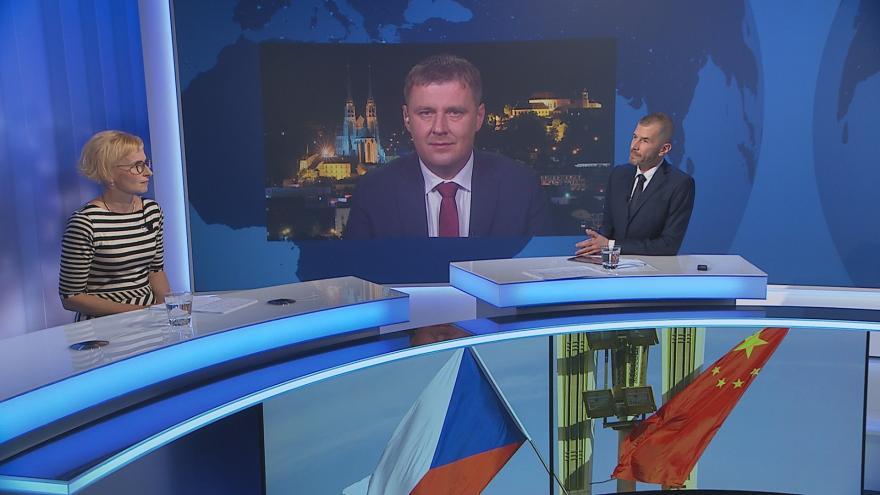 Video Události, komentáře: Praha vypoví sesterskou smlouvu s Pekingem