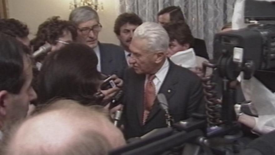 Video Návštěva Bati v Praze (15. 12. 1989)