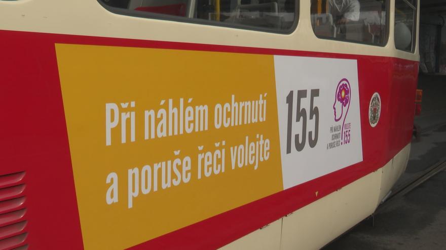 Video UDÁLOSTI: Speciální tramvaj má přispět k povědomí o mrtvici