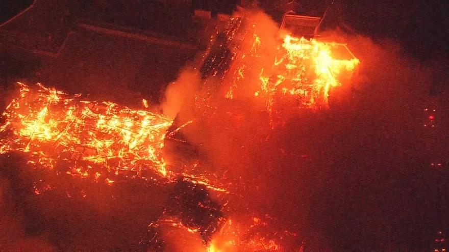 Video V Japonsku zničil požár hrad Šuri, který je zapsán na seznamu UNESCO