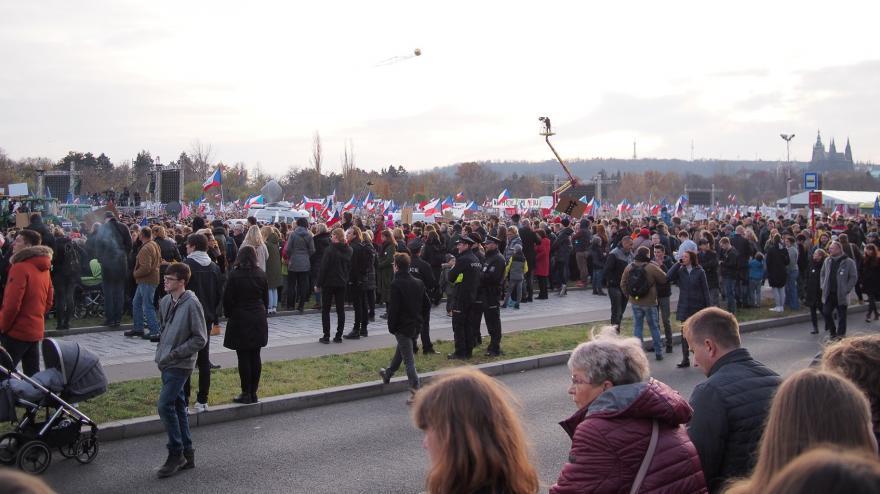 Video Demonstrace na pražské Letné