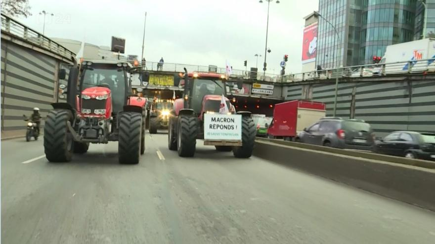 Video traktory