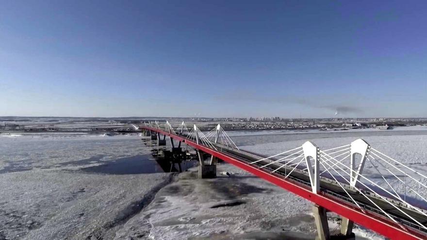 Video První most mezi Ruskem a Čínou je dokončen