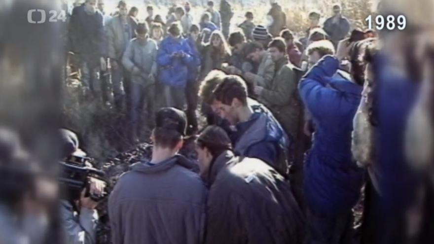 Video Archiv ČT24 - Konec starých pořádků